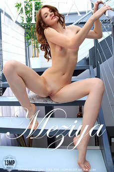Met Art Meziya erotic images gallery with MetArt model Alice May