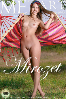 Met Art Mirozet erotic images gallery with MetArt model Violet