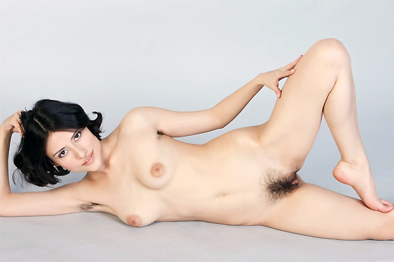 Gera B: Presenting, by Rylsky, first nudes, Spanish beauty, unshaven