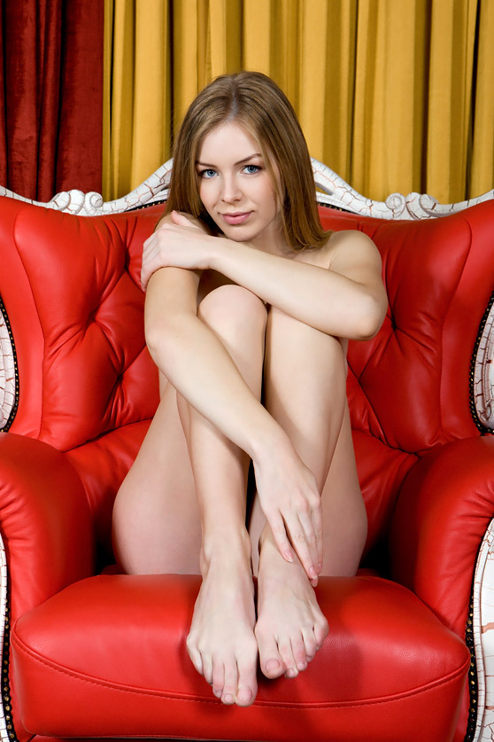 Flavia A: Presenting, by Rylsky, blue-eyed babe shows all in erotic pix