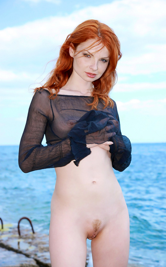 Natalia A: Deos, by Leonardo, natural redhead in seaside nude pix