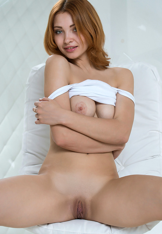 Kika: Presenting, by Alex Iskan, nude redhead in hot explicit art pix