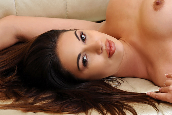 Zola: Presenting, by Fabrice, exotic beauty in erotic nude art photos