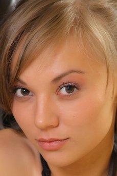 Avril B