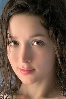 Ellie Leen