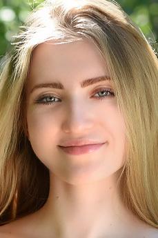 Lena Flora