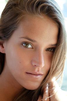 Sylvie Deluxe